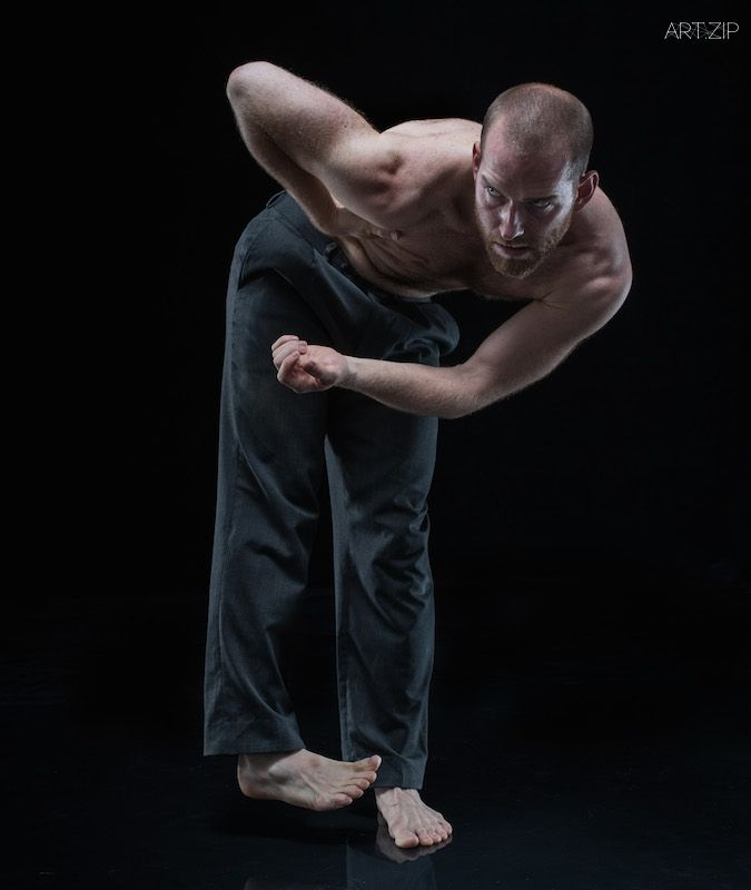 Press A_29_Performer_Hannes Langolf_Photographer_Hugo Glendinning